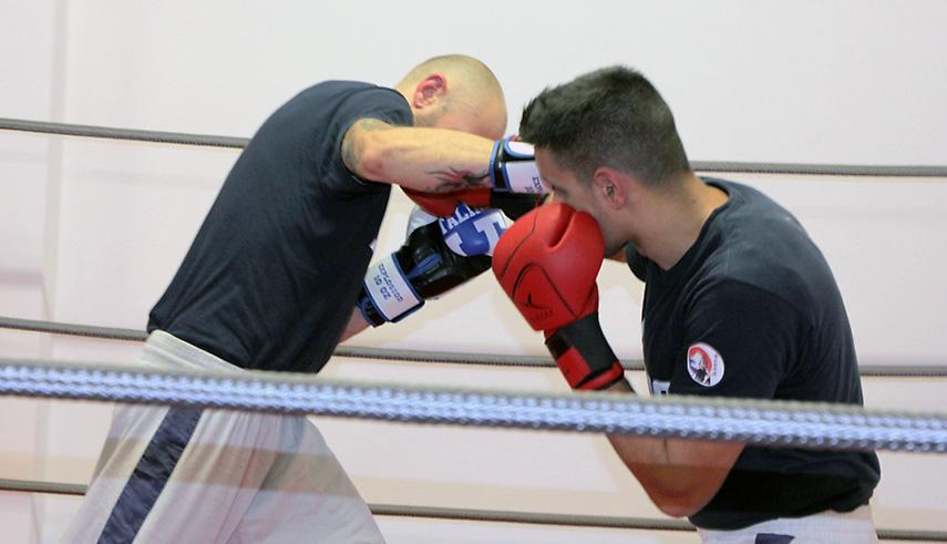 Kick boxing diretto incrociato