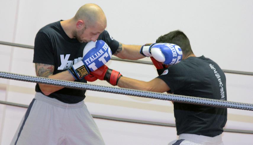 Kickboxing schivata pugno